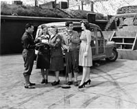 Photo of Red Cross Cookie Brigade bringing refreshments to the soldiers