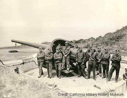 Photo of soldiers in front of Battery Chamberlain