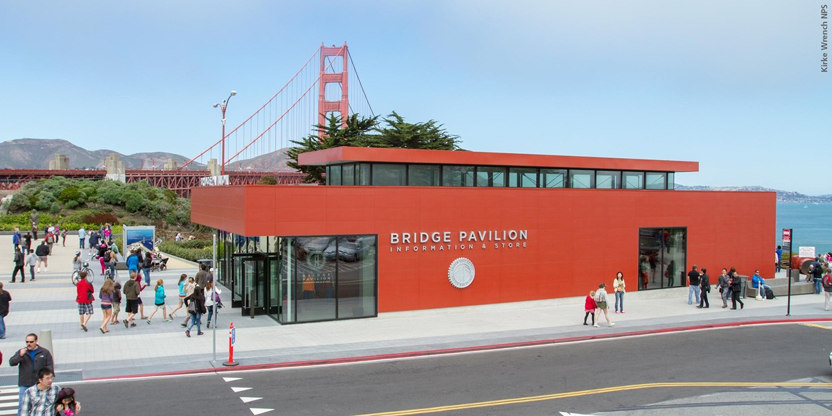 golden gate bridge welcome center in front of the bridge