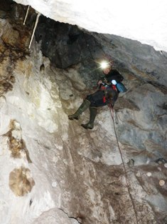 Vertical caving in System's Key Cave
