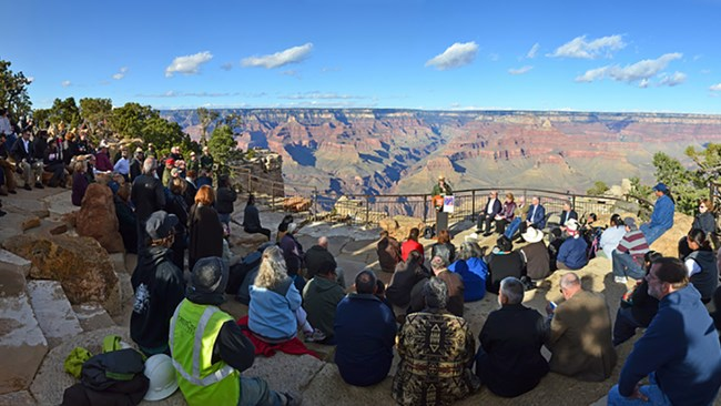 Crowd at Mather Point