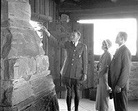 05823 RANGER NATURALIST RALPH REDBURN SHOWS YAVAPAI MUSEUM VISITORS GEOLOGICAL COLUMN. 1932