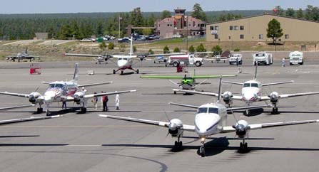 Planes on the tarmac at Grand Canyon Airport