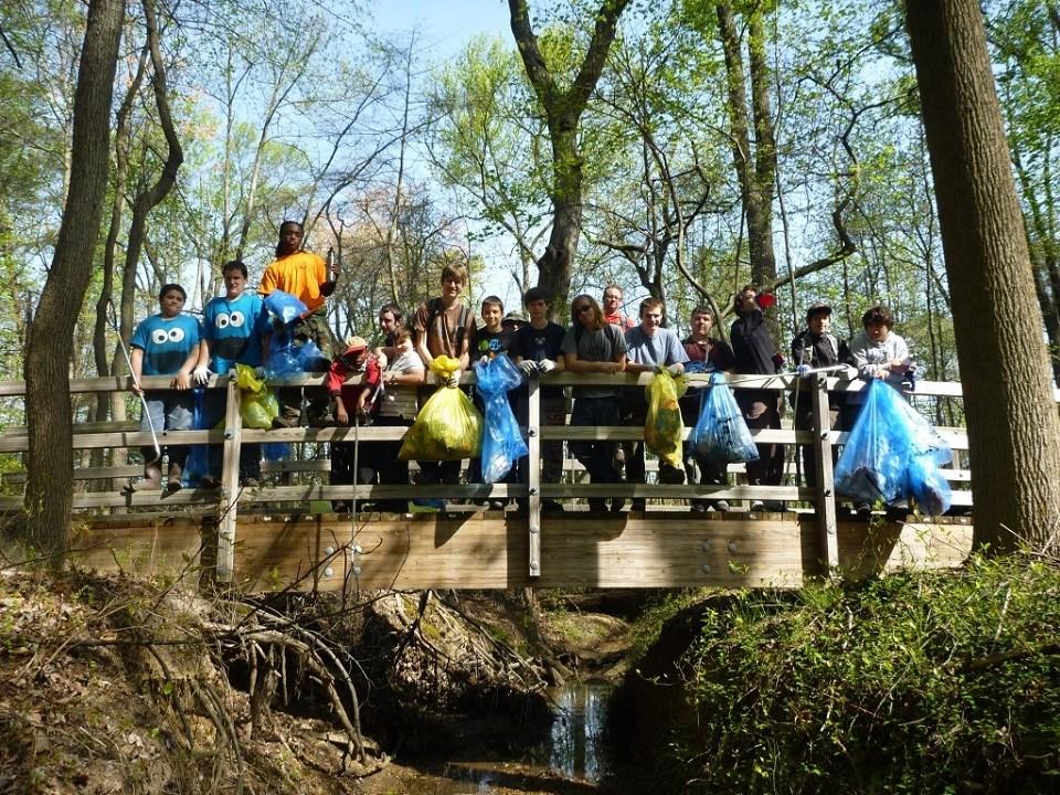 Scouts on Potomac Watershed Cleanup Day