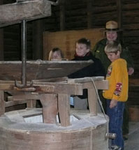 2nd graders touring Mingus Mill