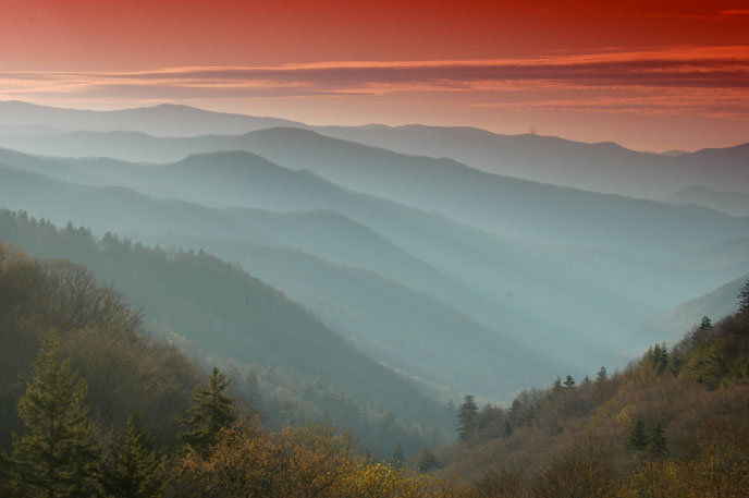 Overlooks along highway US-441 and the Clingmans Dome Road are excellent spots to enjoy sunrises and sunsets.