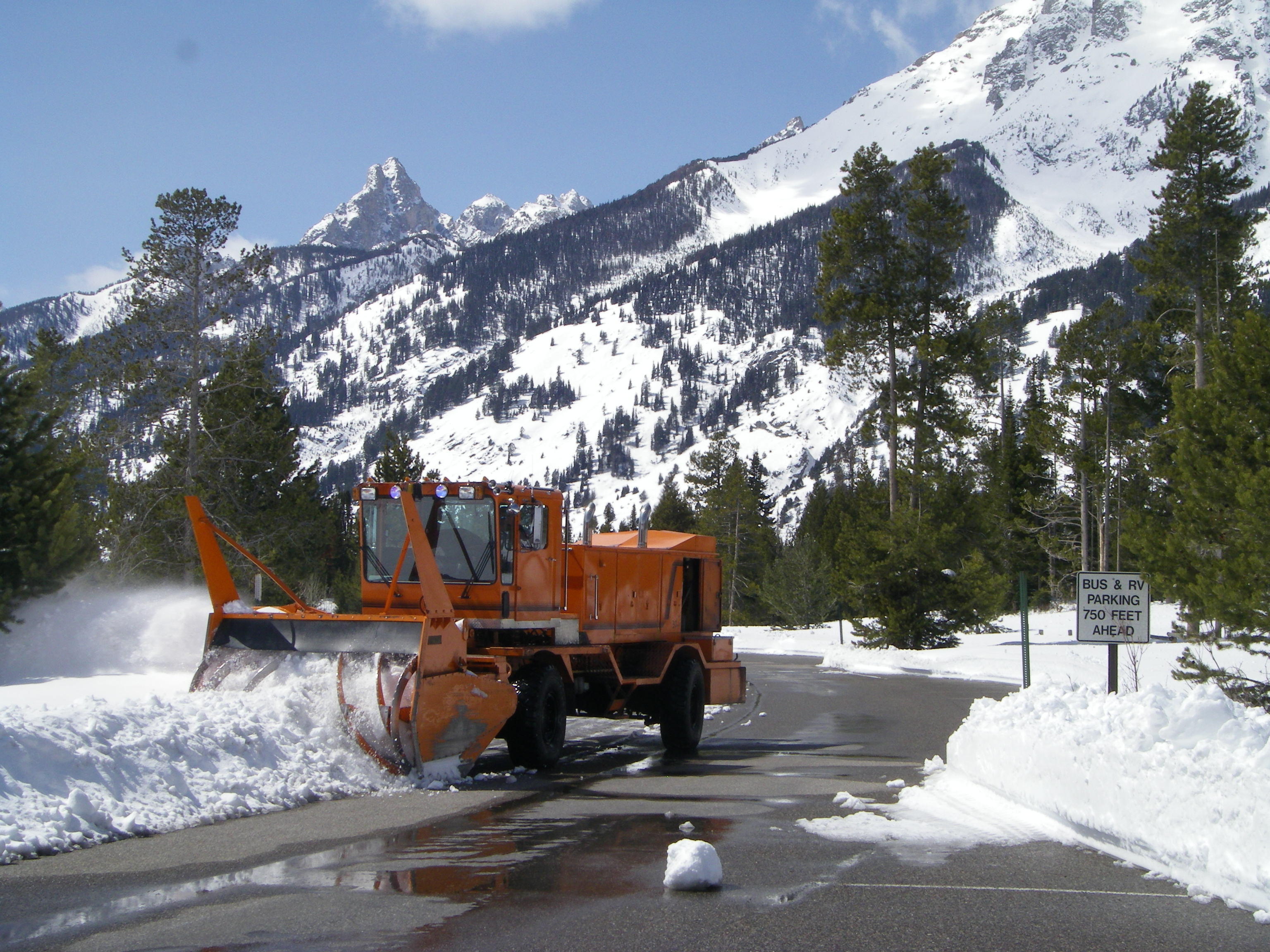 Rotary snow plow on TPR
