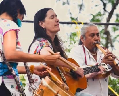 Ceiba performs at Music in the Park- June 2016