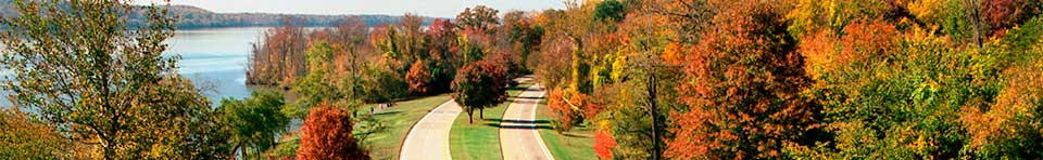 Aerial view of the George Washington Memorial Parkway in the fall