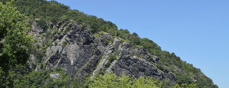 cliff face of Maryland Heights