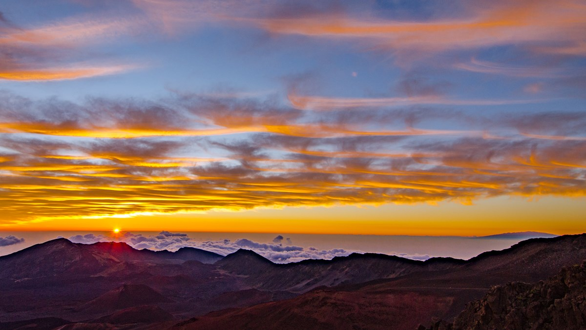 Sunrise And Sunset Haleakalā National Park Us National Park