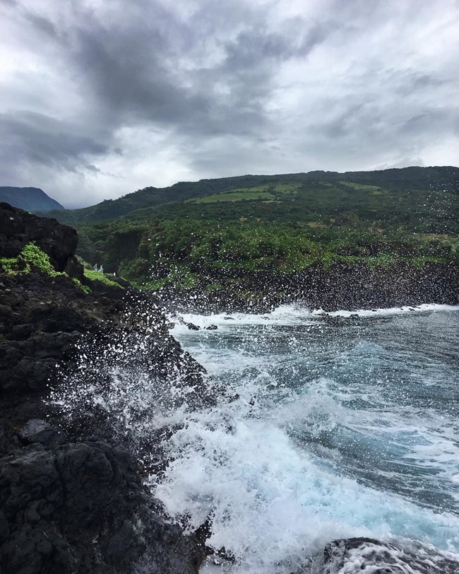Kipahulu waves