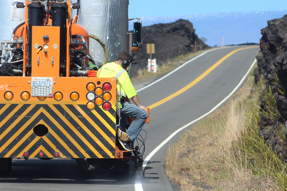 Repainting shoulder stripe on Chain of Craters Road