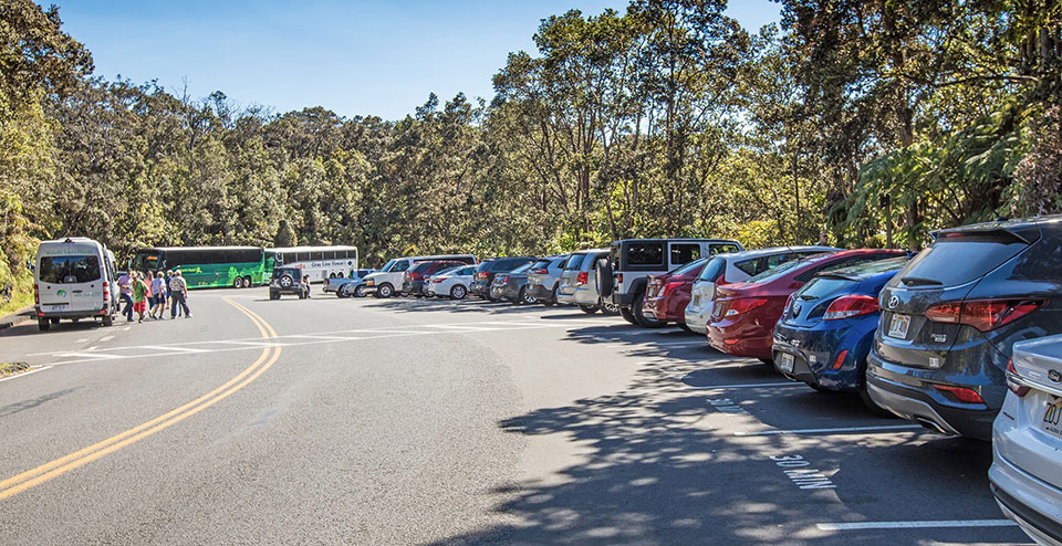 Thurston Lava Tube parking at capacity