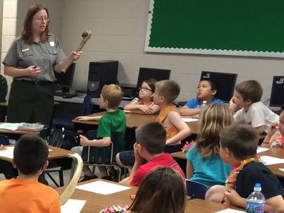 A ranger from Hopwell Culture NHP visits with a class