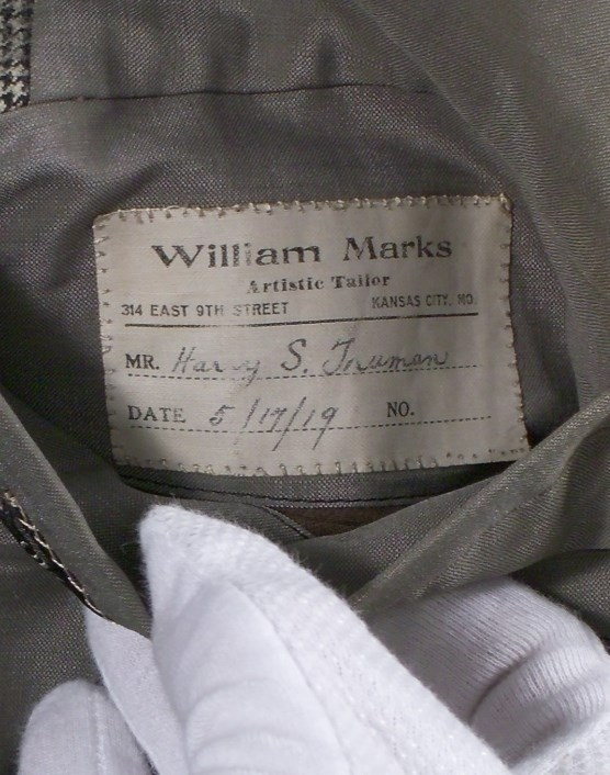 Interior pocket label, HSTR 3435.