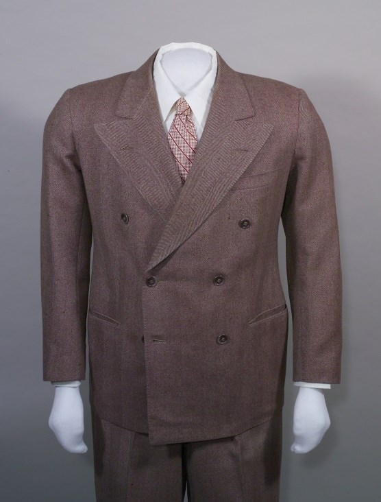 Brown herringbone suit, HSTR 3863