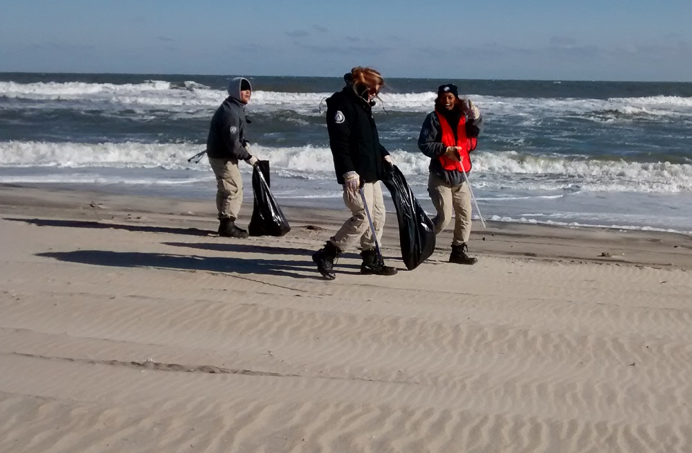 AmeriCorps NCCC crew during beach cleanup