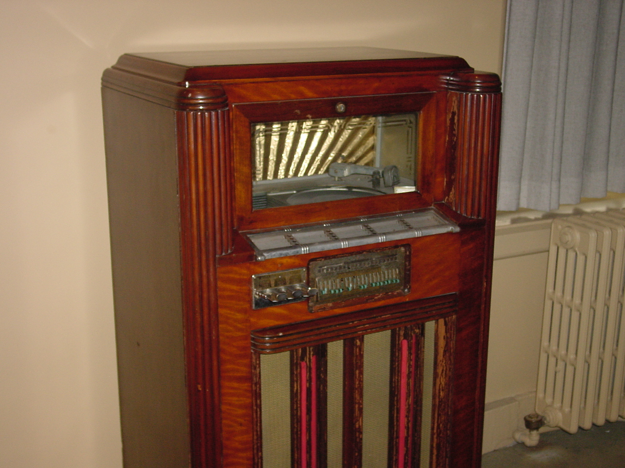 Jukebox in the northeast gallery of the Old Courthouse