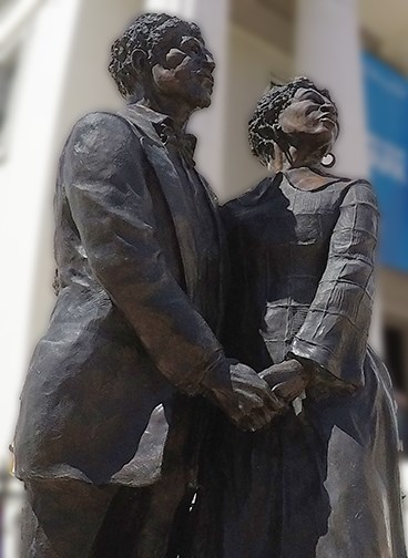 Statue of Dred and Harriet Scott