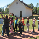 Students on field trip to Boyhood Farm