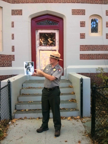 Ranger leads walking tour