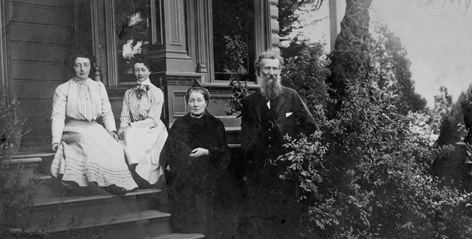 John Muir with wife Louie and daughters Helen and Wanda sitting on the porch.