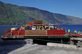 Barge_Day_2014_Kalaupapa_03