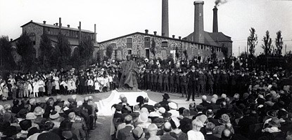 Unveiling of the Alexander Agassiz statue in 1923.
