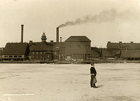 Historic photo from the Jack Foster Collection: Calumet & Hecla Mill at Lake Linden