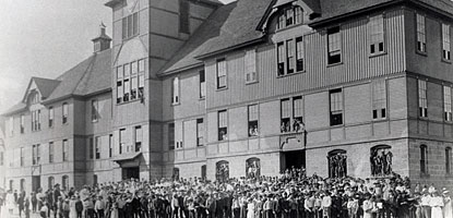Students pose outside the Old Washington School in Calumet in 1915.