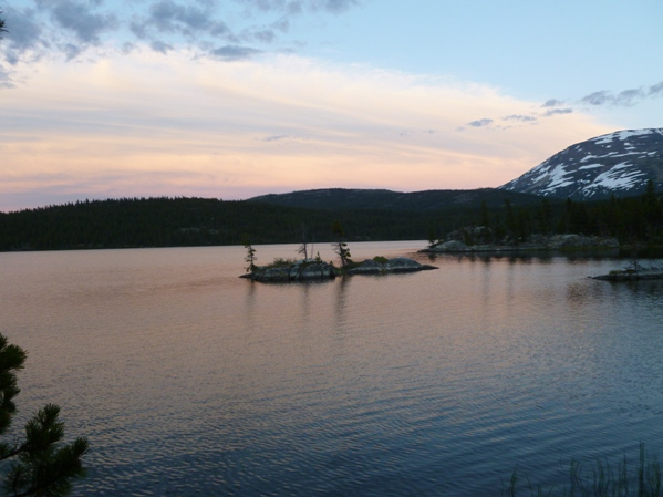[Photo 11] A gorgeous view of the sunset on the last night of the trip at Bare Loon Lake