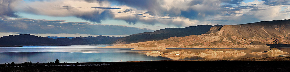 Sunset at Lake Mead's Boulder Basin