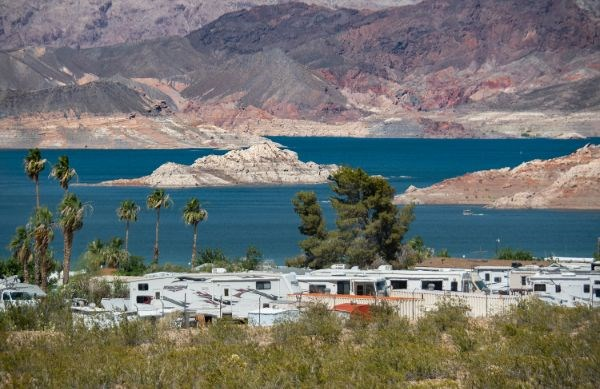 RVs camping next to Lake Mead