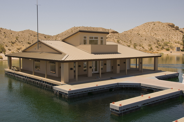 Cottonwood Cove floating marina services building