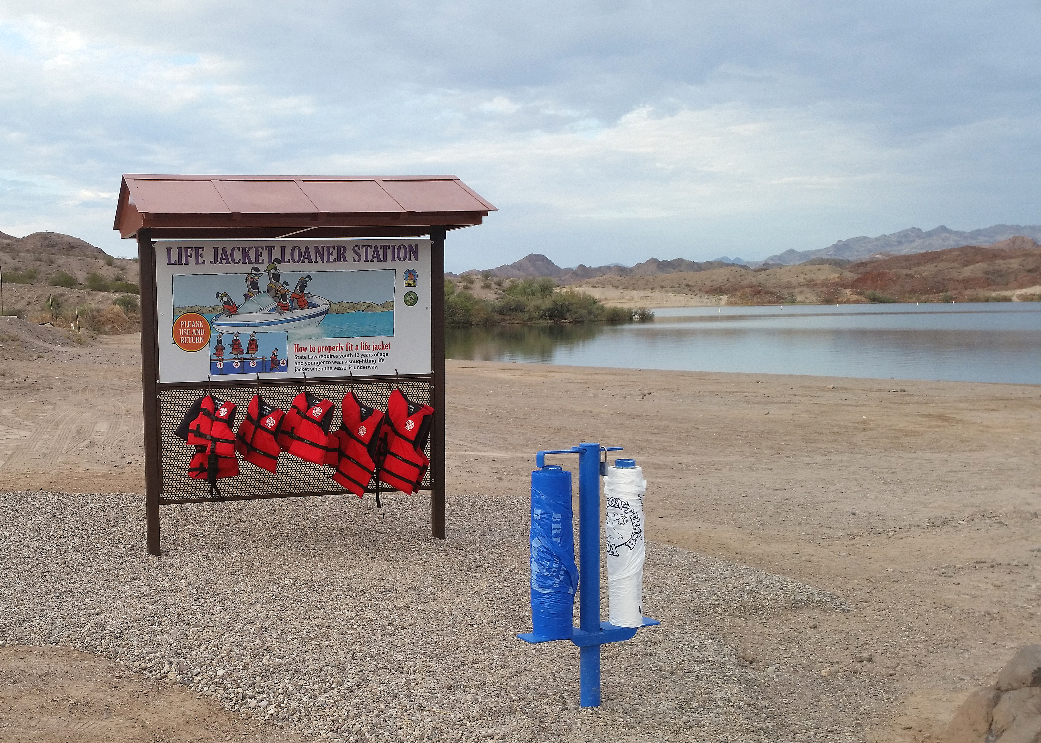 Free loaner life jackets available at north az telephone for Nevada game and fish