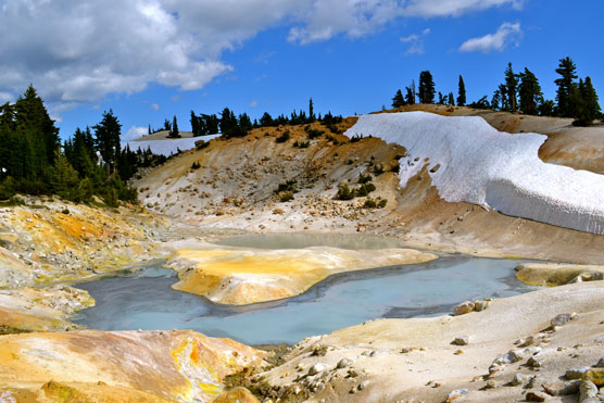 Hydrothermal pools at Bumpass Hell