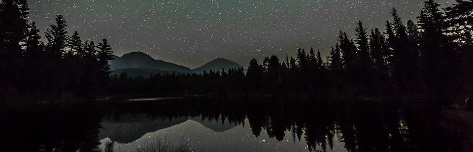 Starry sky over Manzanita Lake