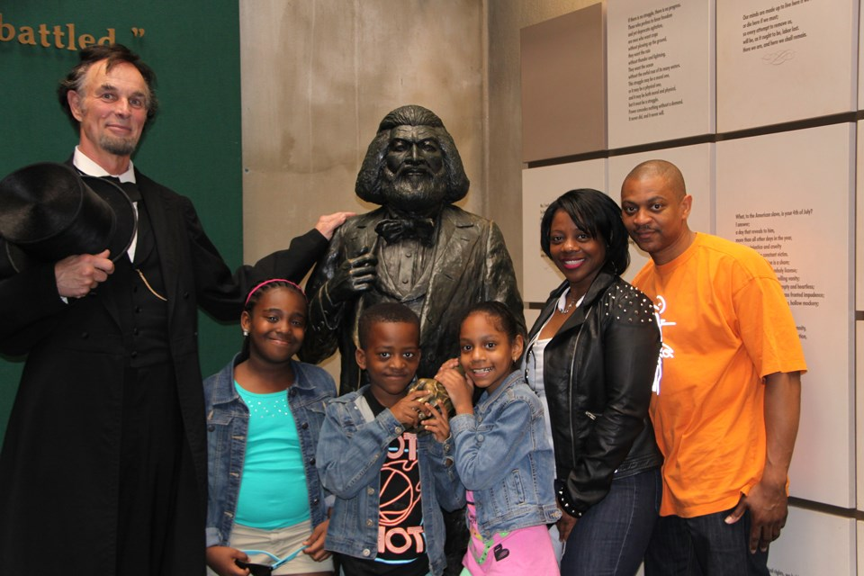 Journey-Home-Fred-Douglass-Home-Lincoln-with-visitors
