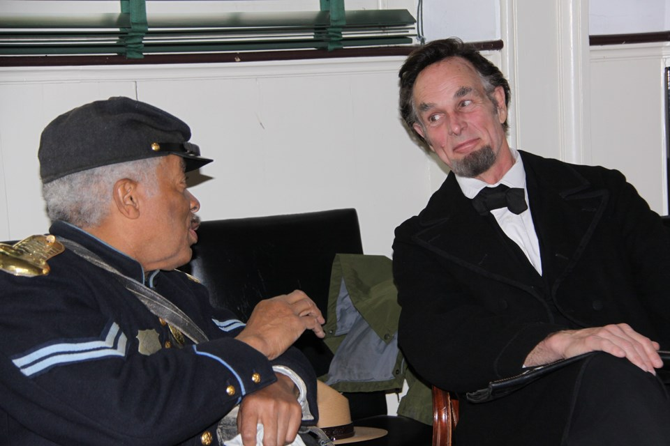 Journey-Home-Lincoln-and-USCT-soldier