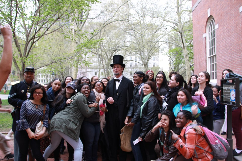 Journey-Home-Lincoln-with-students-in-Philadelphia-Pennsylvania