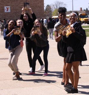 Journey-Home-students-in-Michigan-City-excited-to-receive-thier-Lincoln-book