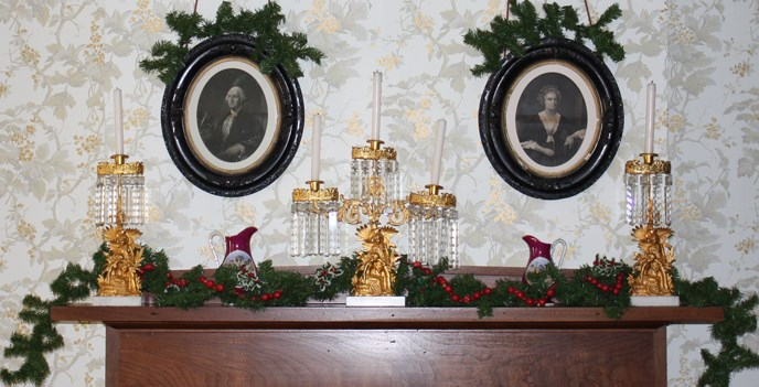 Lincoln Home Formal Parlor Mantel Decorations Detail