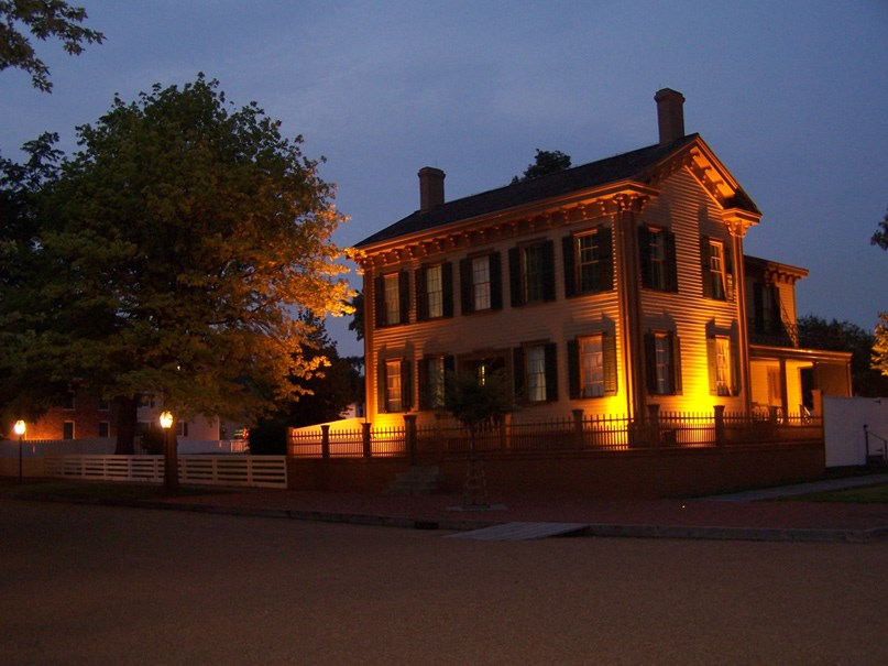 Lincoln Home at dusk