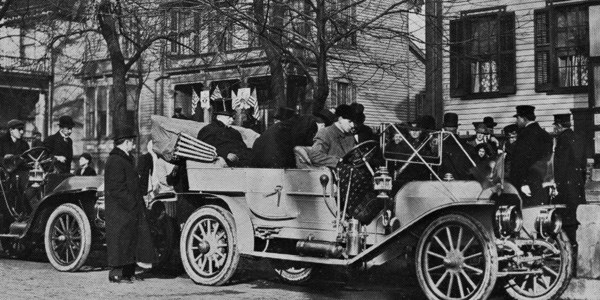 President Taft visiting the Lincoln home, 1910