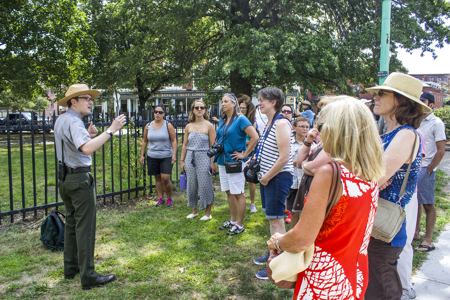 Park ranger talks to group of W.O.W participants