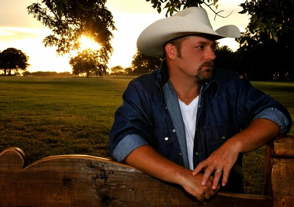 Recording artist Chris Cagle