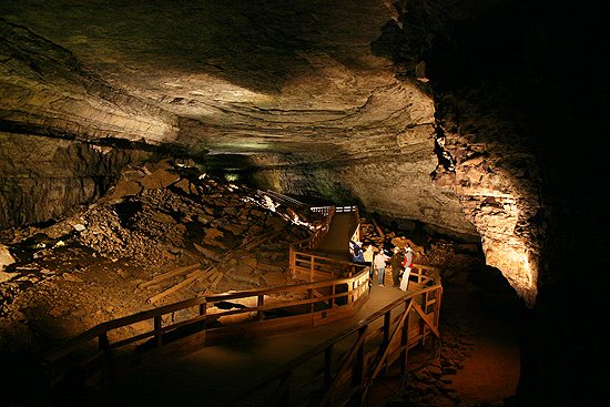 Broadway in Mammoth Cave, looking toward the Rotunda.