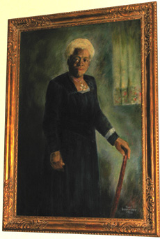 Oil painting portrait of Mary McLeod Bethune by Anne Beadenkopf.