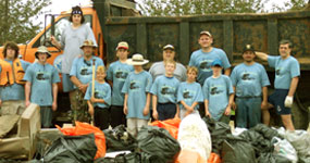 Volunteers at the annual Missouri River cleanup